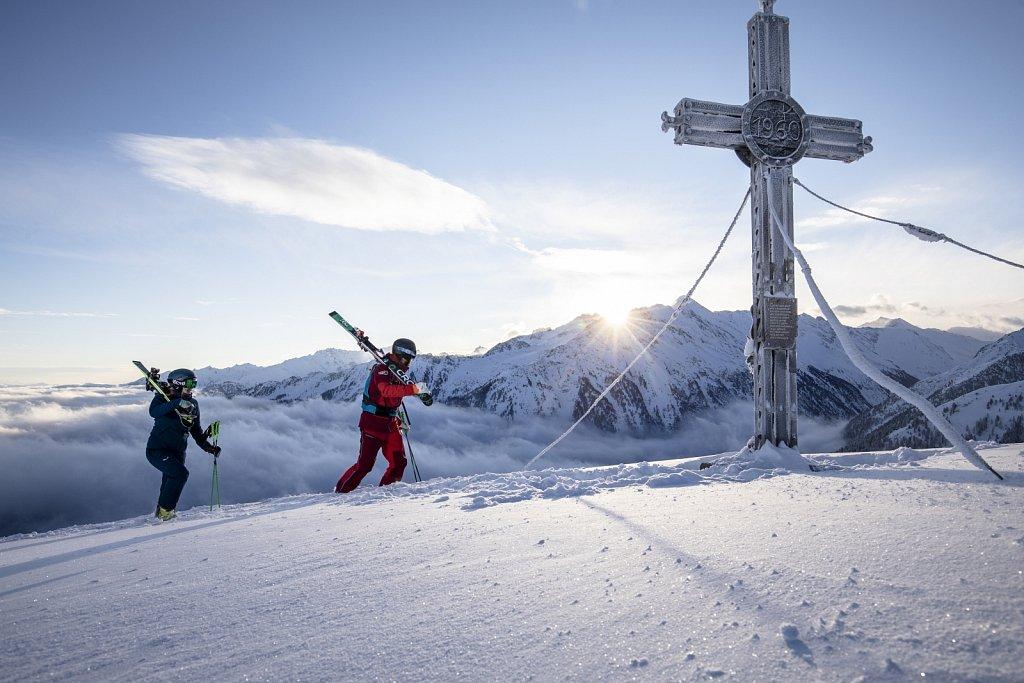 Zillertal-Arena-Sonnenaufgang-Skifahren-2019-HR-150.jpg
