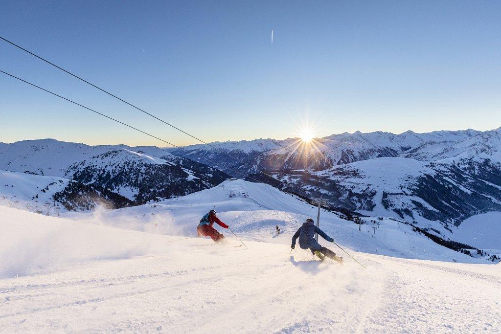 Zillertal-Arena-Sonnenaufgang-Skifahren-2019-HR-8.jpg