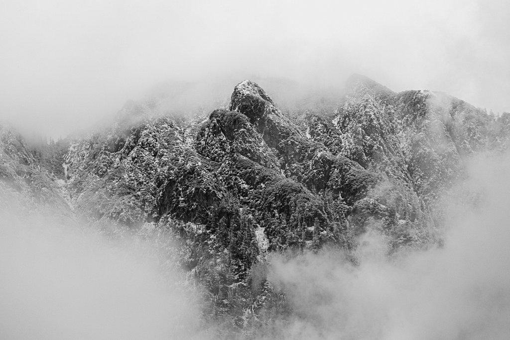 Fog-Rocks2.jpg